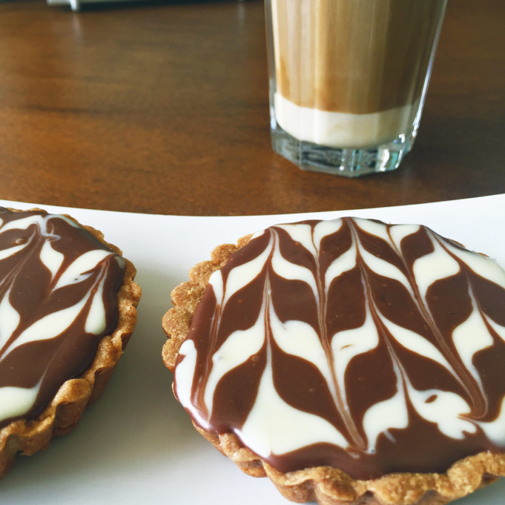 featured-ijskoffie-met-taartje-life-is-like-a-pie-iris-eej-magazine
